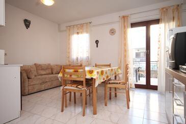 Fažana, Jídelna v ubytování typu apartment, klimatizácia k dispozícii a WiFi.