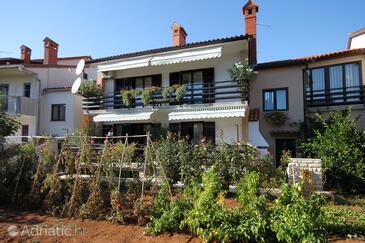 Valbandon, Fažana, Property 7239 - Apartments with pebble beach.