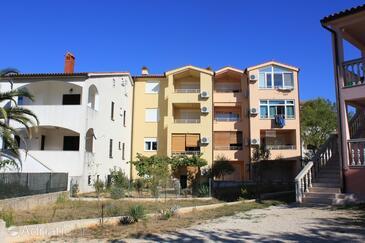 Štinjan, Pula, Property 7245 - Apartments with pebble beach.