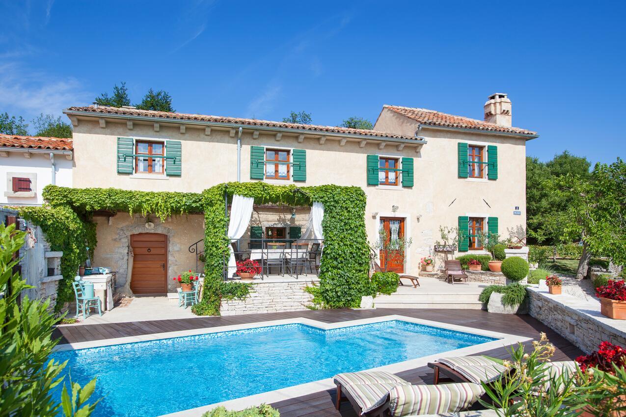Istrie vila bazénem
