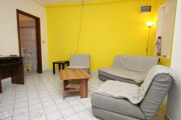 Presika, Living room in the apartment, dopusteni kucni ljubimci i WIFI.