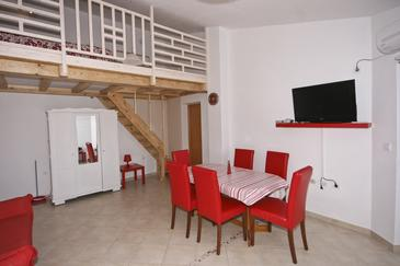 Fažana, Dining room in the apartment, air condition available and WiFi.