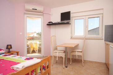 Fažana, Jídelna v ubytování typu studio-apartment, WiFi.
