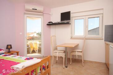 Fažana, Столовая в размещении типа studio-apartment, WiFi.
