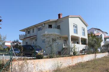 Fažana, Fažana, Objekt 7252 - Ubytování s oblázkovou pláží.