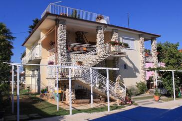 Valbandon, Fažana, Obiekt 7257 - Apartamenty ze żwirową plażą.