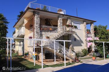 Valbandon, Fažana, Property 7257 - Apartments with pebble beach.