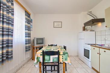 Premantura, Dining room in the apartment, dostupna klima i WIFI.