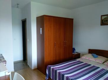 Premantura, Ložnice v ubytování typu room, dostupna klima i WIFI.