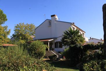 Valbandon, Fažana, Imobil 7268 - Cazare cu plajă cu pietriș.