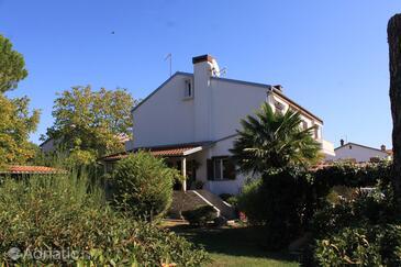 Valbandon, Fažana, Obiekt 7268 - Apartamenty ze żwirową plażą.