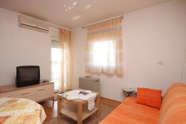 Valbandon, Pokój dzienny w zakwaterowaniu typu apartment, dostupna klima i WIFI.