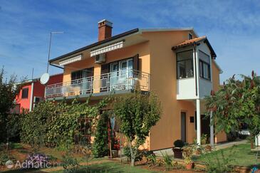 Valbandon, Fažana, Property 7273 - Apartments with pebble beach.