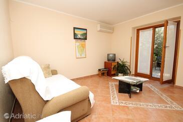 Kanfanar, Obývací pokoj v ubytování typu house, s klimatizací a WiFi.