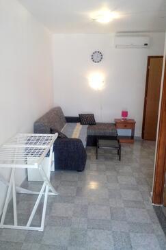 Fažana, Dining room in the apartment, dostupna klima, dopusteni kucni ljubimci i WIFI.