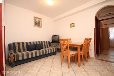 Fažana, Sufragerie în unitate de cazare tip apartment, animale de companie sunt acceptate şi WiFi.