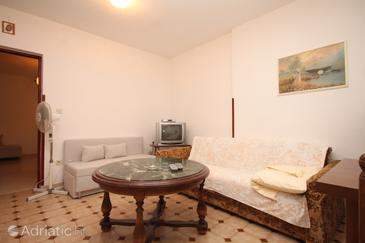 Fažana, Living room in the apartment, (pet friendly) and WiFi.