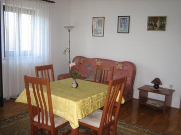Living room    - A-7304-b