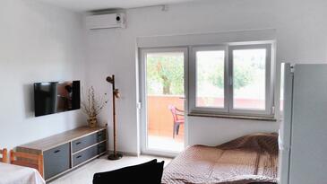 Valbandon, Camera de zi în unitate de cazare tip apartment, aer condiționat disponibil şi WiFi.