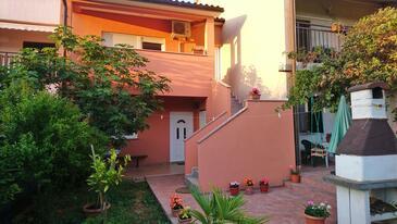 Valbandon, Fažana, Obiekt 7305 - Apartamenty ze żwirową plażą.