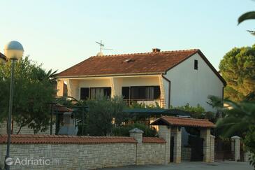 Valbandon, Fažana, Obiekt 7307 - Apartamenty ze żwirową plażą.