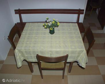 Supetar, Dining room in the apartment.