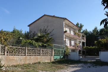 Pula, Pula, Property 7313 - Apartments with rocky beach.