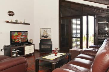Mirca, Гостиная в размещении типа apartment, доступный кондиционер и WiFi.