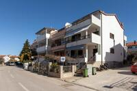 Apartments with a parking space Rovinj - 7322