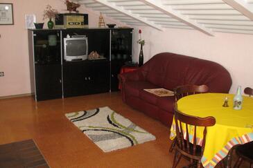 Medulin, Obývacia izba v ubytovacej jednotke apartment, klimatizácia k dispozícii a WiFi.