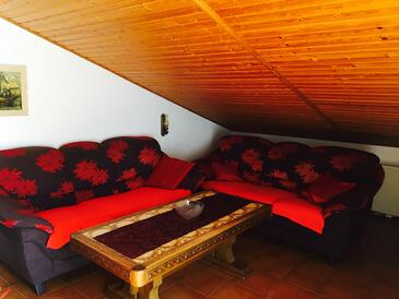 Premantura, Obývací pokoj v ubytování typu apartment, dostupna klima i WIFI.