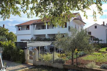 Valbandon, Fažana, Property 7347 - Apartments with pebble beach.