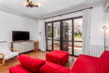 Pješčana Uvala, Obývacia izba v ubytovacej jednotke apartment, klimatizácia k dispozícii, domáci miláčikovia povolení a WiFi.