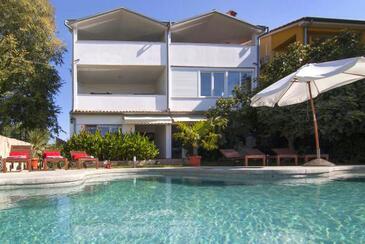 Valbandon, Fažana, Property 7351 - Apartments with pebble beach.