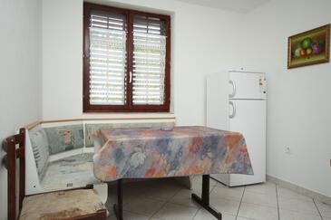 Valbandon, Jídelna v ubytování typu apartment, domácí mazlíčci povoleni a WiFi.