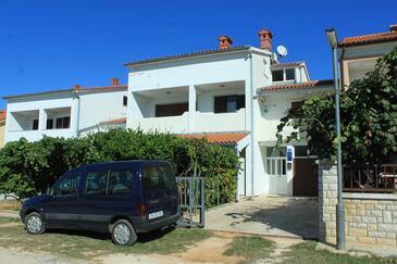 Valbandon, Fažana, Obiekt 7355 - Apartamenty ze żwirową plażą.
