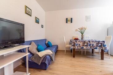 Pula, Jídelna v ubytování typu studio-apartment, WiFi.