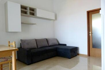 Štinjan, Living room in the apartment, dostupna klima i WIFI.