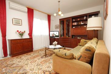 Poreč, Living room in the apartment, dostupna klima, dopusteni kucni ljubimci i WIFI.