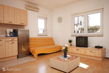 Medulin, Living room in the apartment, dostupna klima.