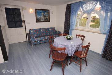 Pješčana Uvala, Dining room in the apartment, dostupna klima.