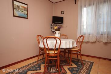 Medulin, Jídelna v ubytování typu apartment, WiFi.