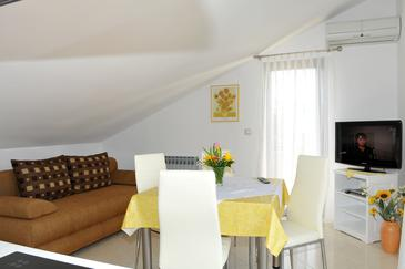 Poreč, Living room in the apartment, dostupna klima i WIFI.
