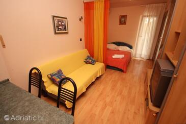 Pješčana Uvala, Living room in the studio-apartment, WIFI.