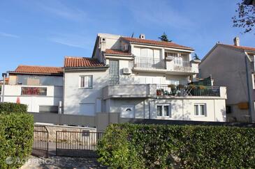 Pješčana Uvala, Pula, Property 7394 - Apartments with pebble beach.