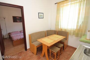 Fažana, Jídelna v ubytování typu apartment, domácí mazlíčci povoleni a WiFi.