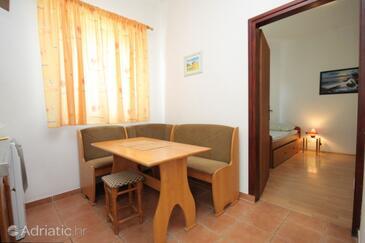 Fažana, Jídelna v ubytování typu apartment, s klimatizací, domácí mazlíčci povoleni a WiFi.