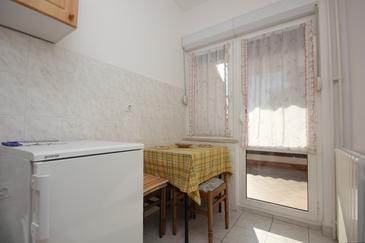 Rabac, Jídelna v ubytování typu apartment, domácí mazlíčci povoleni a WiFi.