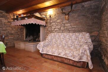 Bibići, Living room in the house, dostupna klima i WIFI.