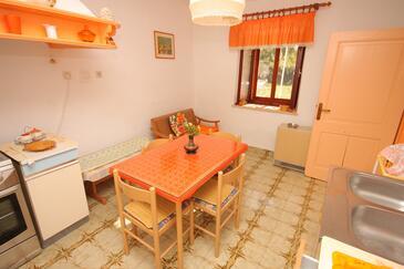 Valtura, Jídelna v ubytování typu apartment, domácí mazlíčci povoleni a WiFi.